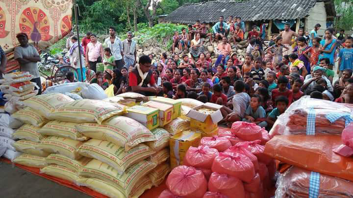 Aid delivery to villagers in Nepal